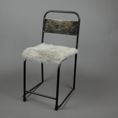 grijs stoelkussen schapenvacht