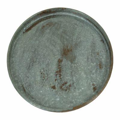 Grote platte schalen van metaal