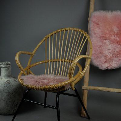 Roze stoelkussentjes schapenvacht