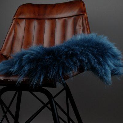 stoelpad blauw schapenvacht zitkussen