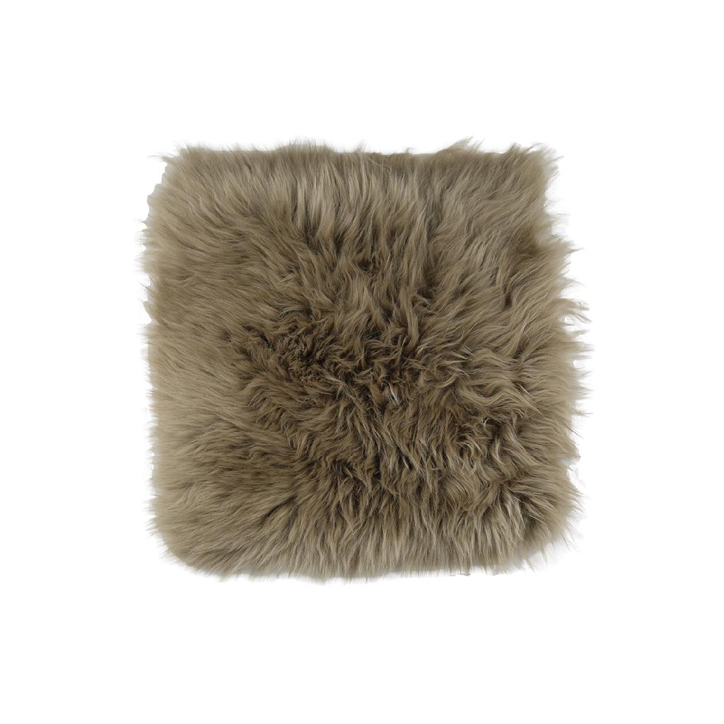 stoel-kussen-schapenvachtTekengebied 22-100