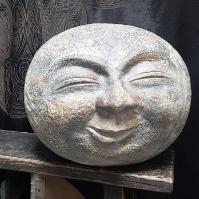 Vrolijke aardewerk maan