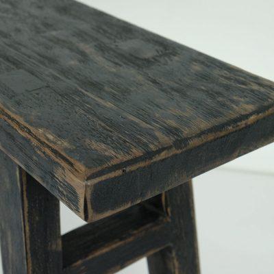 zwart houten vintage bankje
